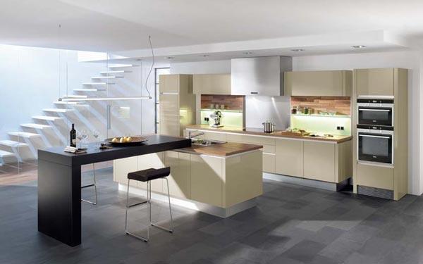 Klasična Kuhinja EWE - bež barve
